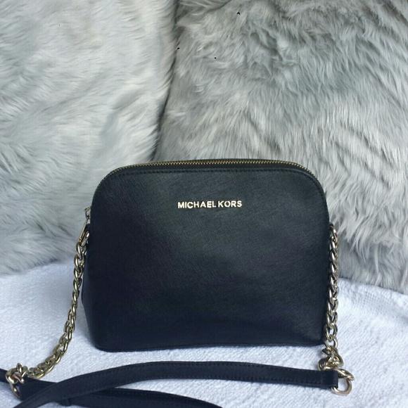 fbafe142716d Michael Kors Bags | Cindy Large Dome Crossbody Euc | Poshmark